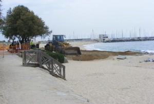 Les màquines a la platja | Foto: Aj. Premià Mar
