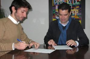 Signatura del conveni   Foto: Aj. Pineda